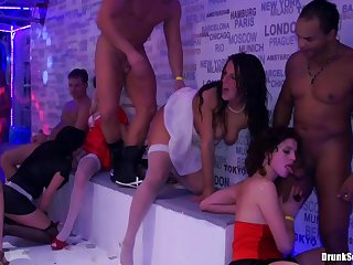Today in the nice nightclub party you will see hot outstanding policewoman sucking hard cock