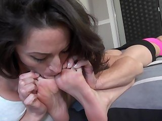 Cleo Live Worships Her Sleeping Roomates Perfect French Pedi Feet