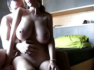 AMATEUR MOVIE !!!She has hot wobbling tits - bostero