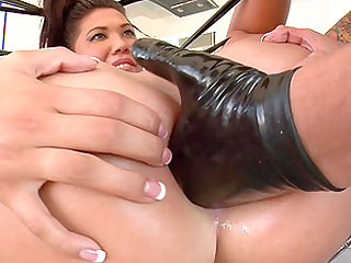 London Keyes enjoys being plowed by her narrow anus