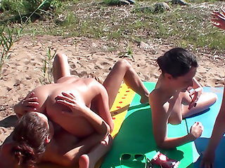 Charissa juicy pussy lovely licked in foursome outdoor