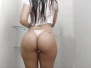 Latina With Tight Big Ass and Great Tits Takes a Hot Shower