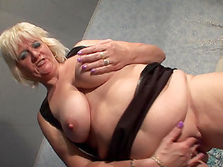 Chubby blonde Beau B wants to make her pussy dripping wet