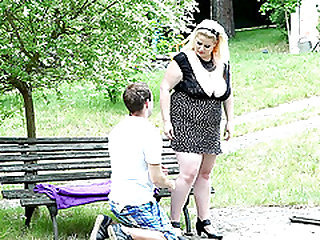 Domme is a fat sugar who sits on her dude's face in the park