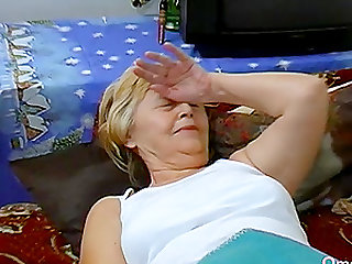 Homemade video featuring amateur fatty lesbian grandma compilation