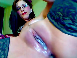 Brunette slut has her slit drip with her pussy juice