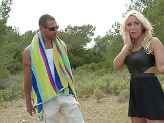 Great outdoor fuck with lovely blonde chick Karlie Simon