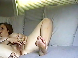Hot mum like to play with her old pussy