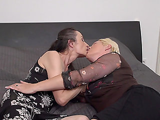 One on one mature lesbian action with Corinna and Gasha