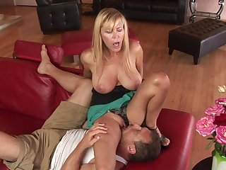 Mom sits on his face and sucks a dick lustily