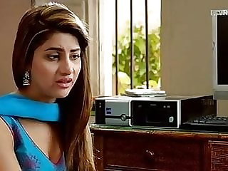 Sohai Ali Abro Pakistani Actress Blouse Down Scene