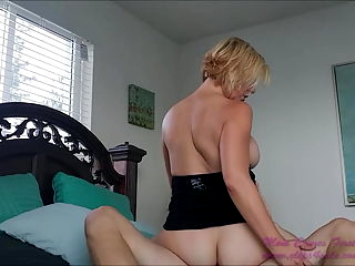 BRIANNA BEACH - MOM MAKES A SEX TAPE