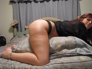 Redhead Shakes Her Booty In Amateur Video
