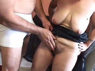 Mature Mommy Gets Her Bush Covered By Cum After A Hard Fuck